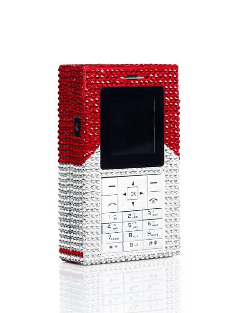 Телефон Marlboro, инкрустированный кристаллами Swarovski