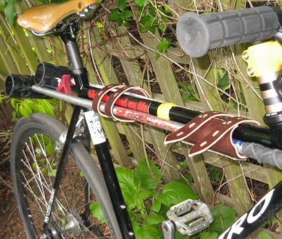 Держатель клюшек для игры в велополо
