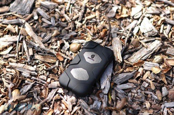 Чехол для iPhone 4 Griffin Survivor