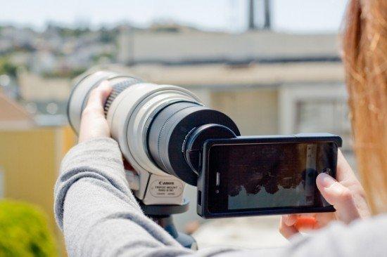 Держатель для зеркально-линзового объектива на iPhone 4