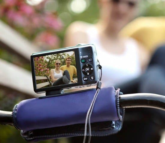 Чехол для камеры с подставкой