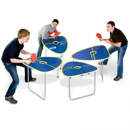 Стол для игры в пинг-понг вчетвером