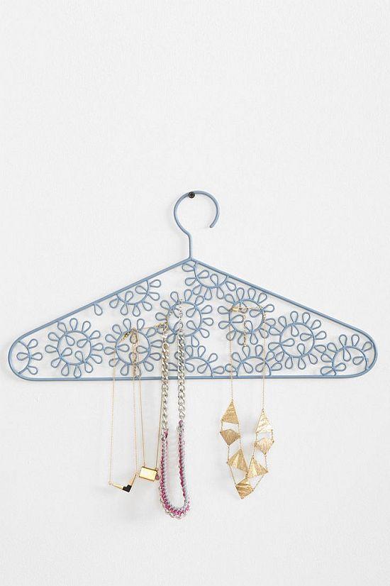 Eyelet Jewelry Hanger