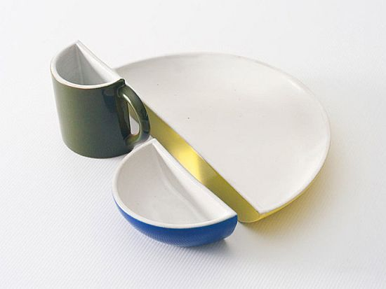 'Halved' dinnerware set