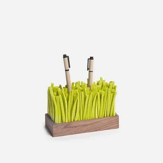 Grass Pen Holder