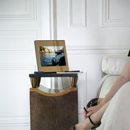 Digital Photo Mirror by Parrot X Martin Szekely