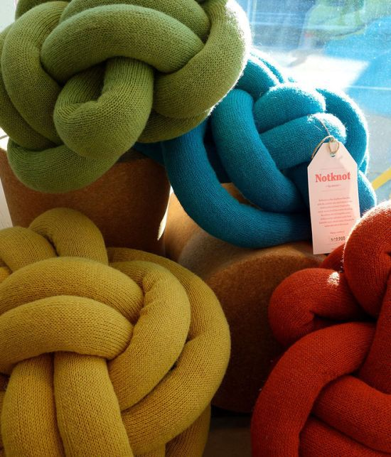 Notknot Pillows