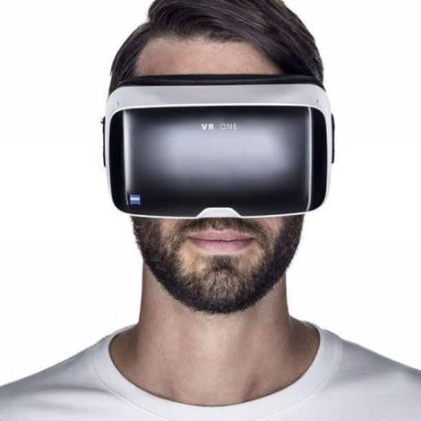 Набор Zeiss VR One для виртуальной реальности