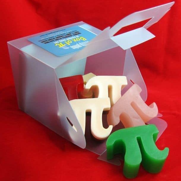 Подарочный набор мыла в форме буквы пи