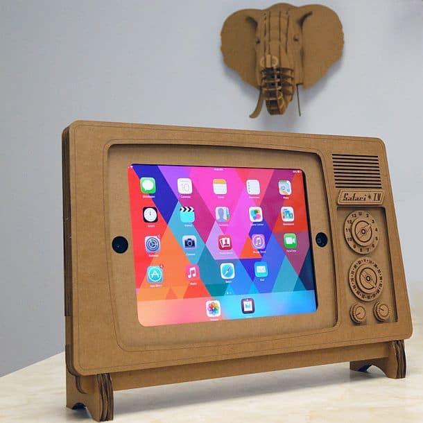 Картонная подставка Safari TV для планшетов iPad