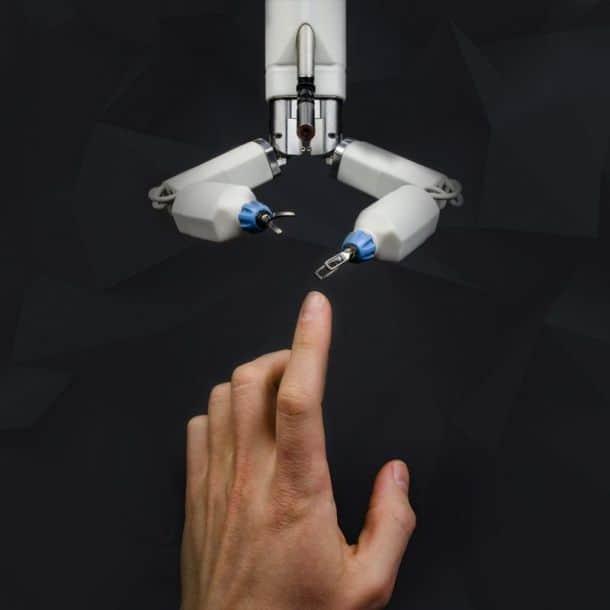 Миниатюрный робот-хирург