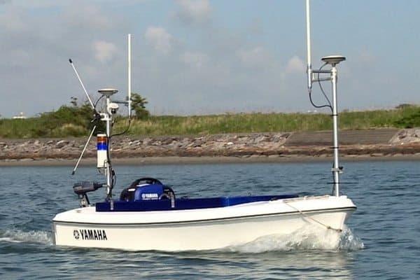 Беспилотная лодка Yamaha Breeze10