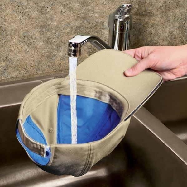 Бейсболка с системой водяного охлаждения