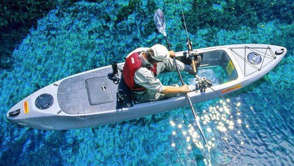 Рыбацкий каяк с прозрачным дном Caribe