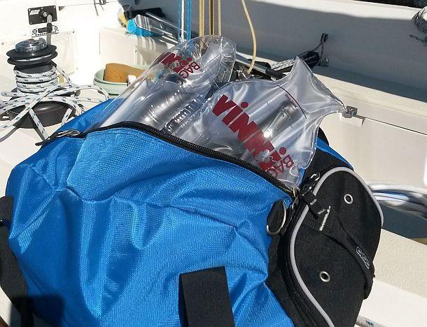 Надувные контейнеры для транспортировки бутылок VinniBag