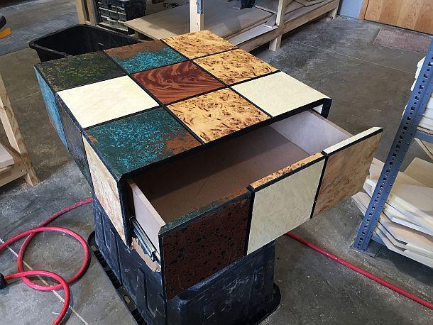 Домик для кошек в виде Кубика Рубика