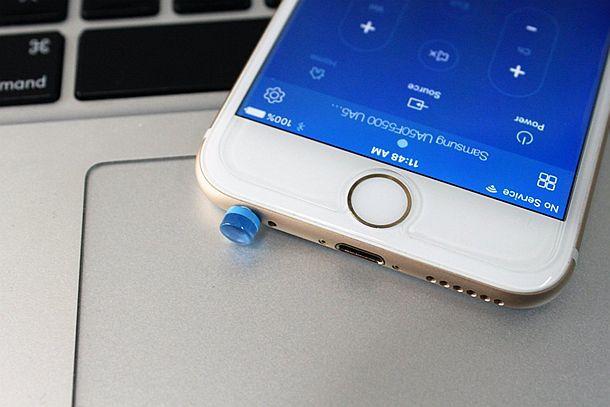 ИК адаптер riimo, превращающий яблочные устройства в универсальный пульт ДУ