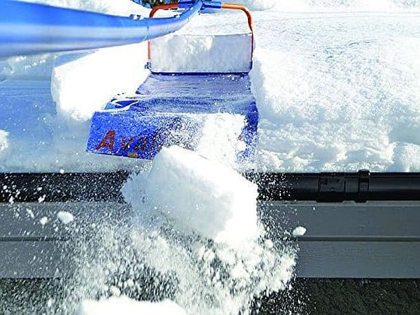 Прибор Avalanche для удаления снега с крыши