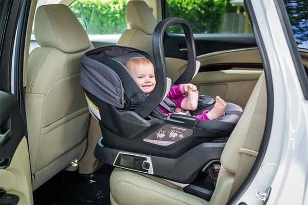 Детское автокресло с функцией автоустановки