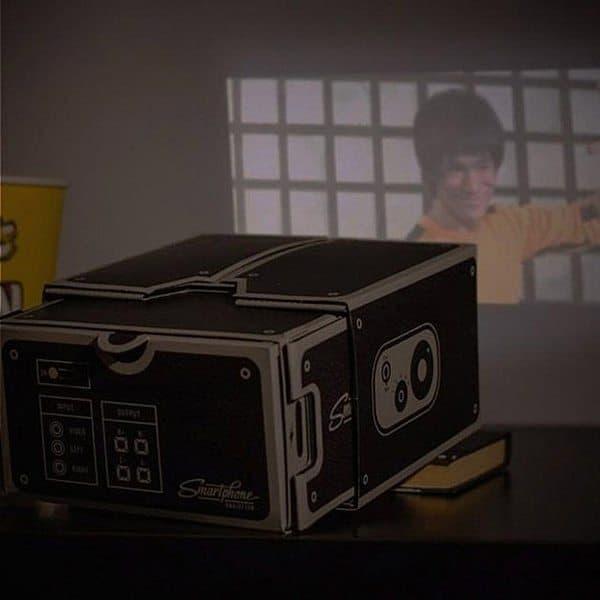 Картонный проектор для смартфона