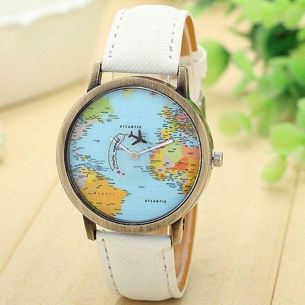 Часы с циферблатом под карту мира