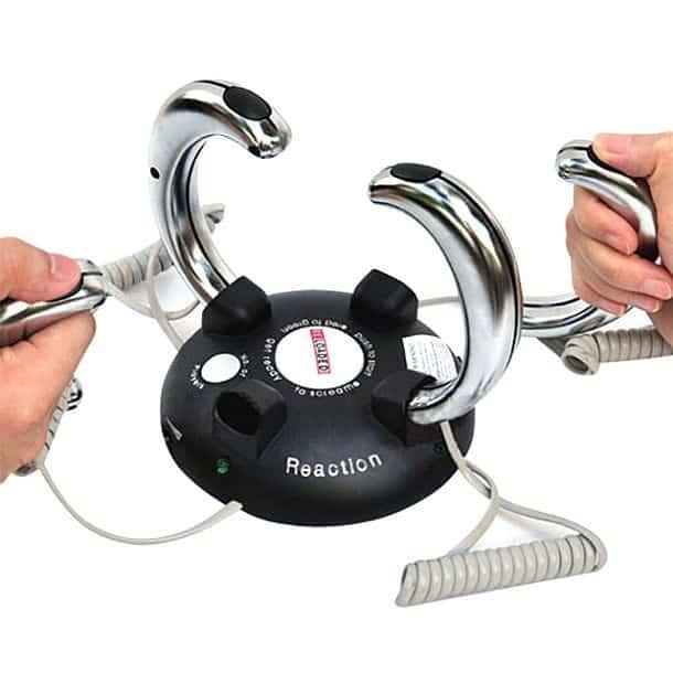 Электрифицированная игрушка для проверки реакции
