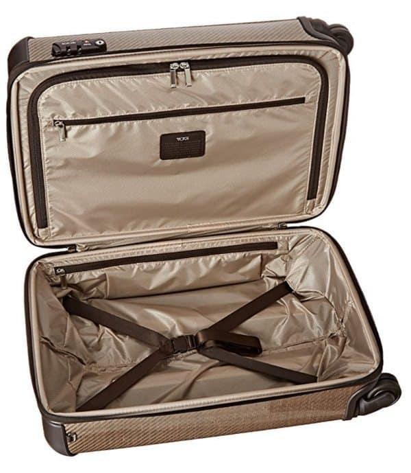 Крепкий чемодан Tumi Tegra