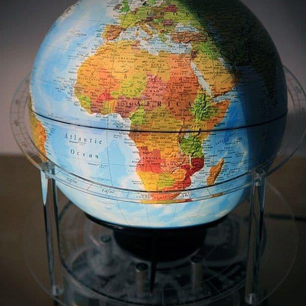 Механический глобус с часами и календарем Night 'N Day