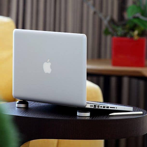 Мобильная подставка для iPad и MacBook