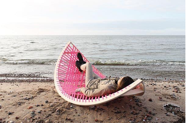 Универсальное приспособление Panama Banana для полноценного отдыха на пляже