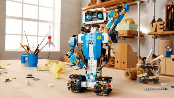 Программируемый детский конструктор Lego Boost