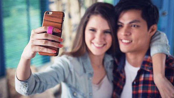 Петля на заднюю панель мобильных устройств Ungrip