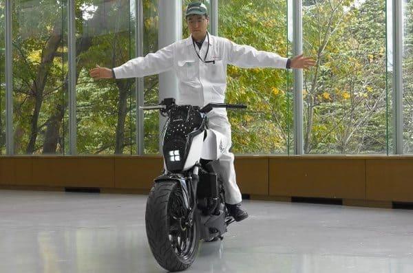 Самобалансирующий мотоцикл от Honda
