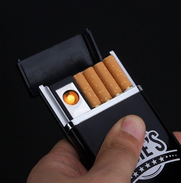 Зажигалка с отсеком для сигарет
