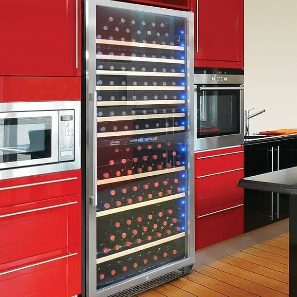 Дизайнерский винный холодильник со стеллажами на 300 бутылок