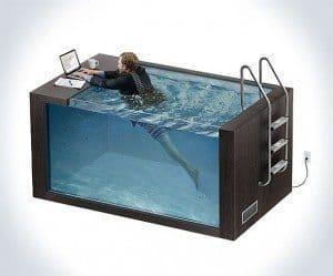 Плавательный бассейн для работы за компьютером Swim Desk