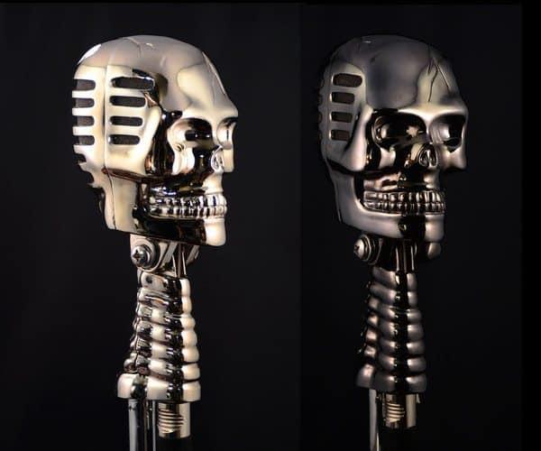 Студийный микрофон в виде черепа