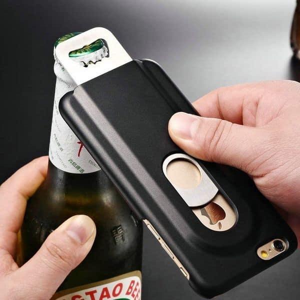 Чехол для iPhone со встроенной открывалкой