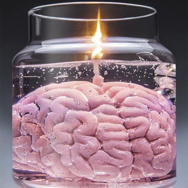 Свеча в виде головного мозга