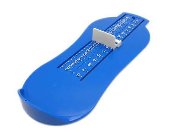Раздвижной шаблон для определения размера детских ножек