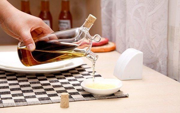 Стеклянный сосуд для масла с двойной ёмкостью