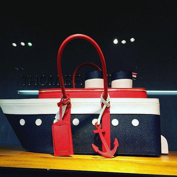 Дизайнерская сумка-тоут «Круизный лайнер» от Thom Browne