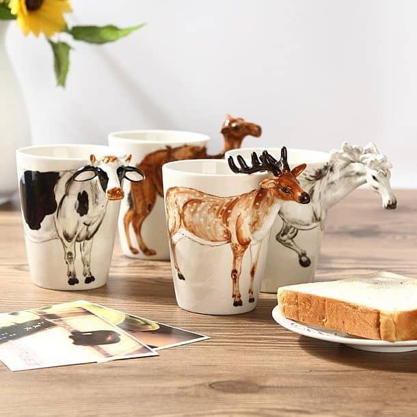 Кофейные чашки с трехмерными изображениями животных