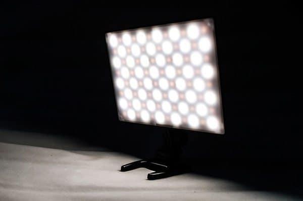 Ультратонкая подсветка для видеотехники Yongnuo YN300