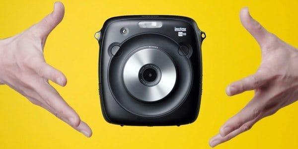 Обновлённая камера Fujifilm Instax Square SQ10