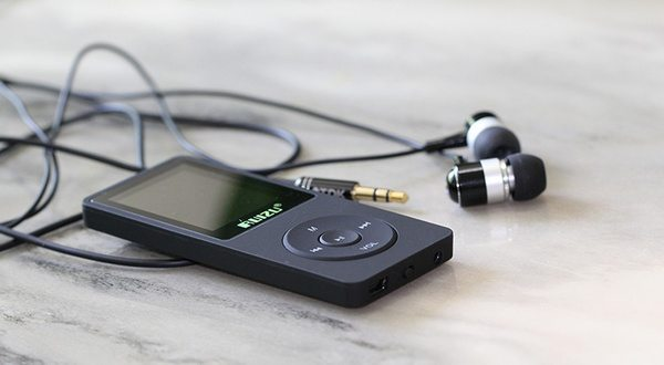RuiZu X02 - плеер, похожий на iPod Nano