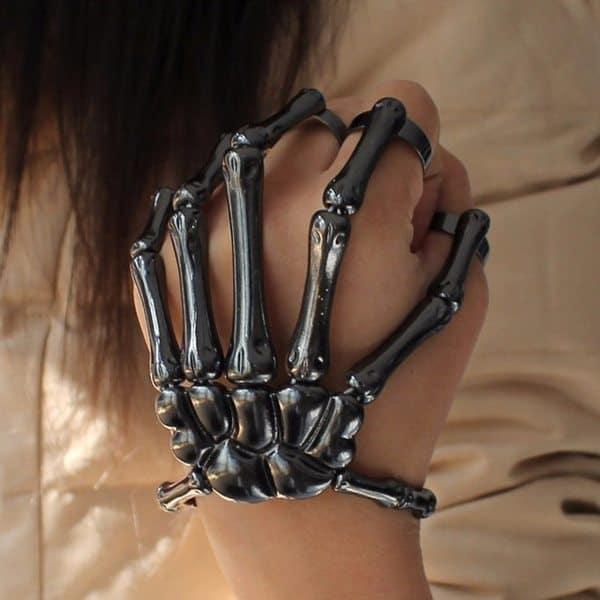 Украшение для руки в виде костяшек пальцев