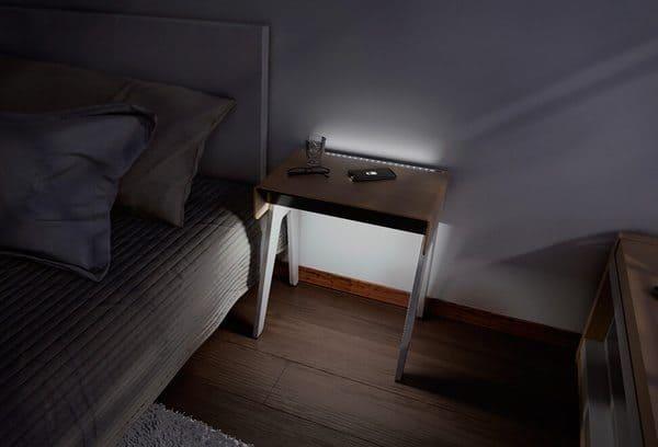 Технологичный прикроватный столик Curvilux