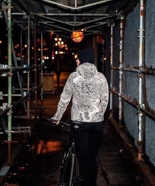 Где купить светоотражающие элементы на одежду