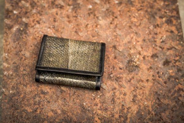 Бумажник из кожи лосося